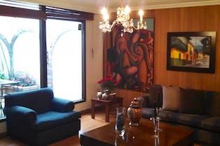 Casa En Venta En Bogota, Contador, con 6 parqueaderos