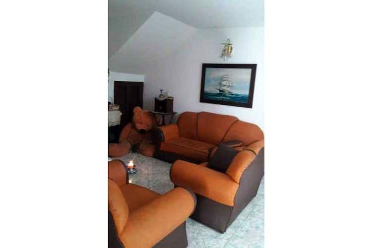 Portada Casa en venta en San Miguel, 144mt con balcon