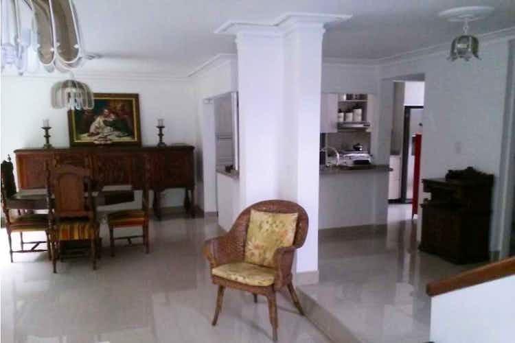 Portada Apartamento en venta en Loma de los Bernal  de  3 habitaciones