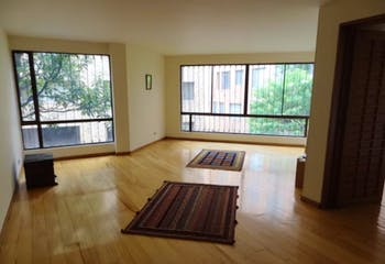 Apartamento En Bogota, Rosales - estudio con chimenea, tres alcobas más cuarto de servicio