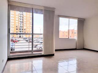 Una vista de una cocina con un gran ventanal en Torres de Santa Lucía