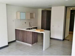 Un cuarto de baño con lavabo y un espejo en Apartamento en venta en Ciudad del Río, 45mt con balcon