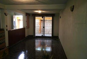 Casa en venta en Jardines De Cerro Gordo de 3 hab. con Jardín...