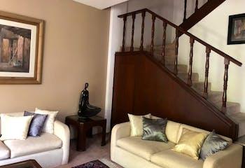 Casa en venta en Florida, 332mt de tres niveles
