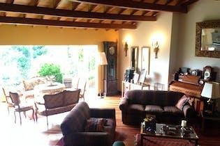Casa de 540m2 en La Calera Vereda El Hato, cuenta con 5 alcobas.