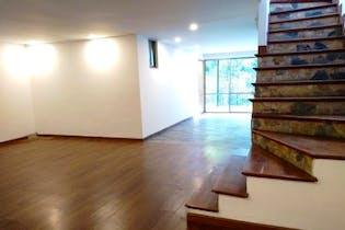 Casa en venta en Intermedia de 5 alcobas