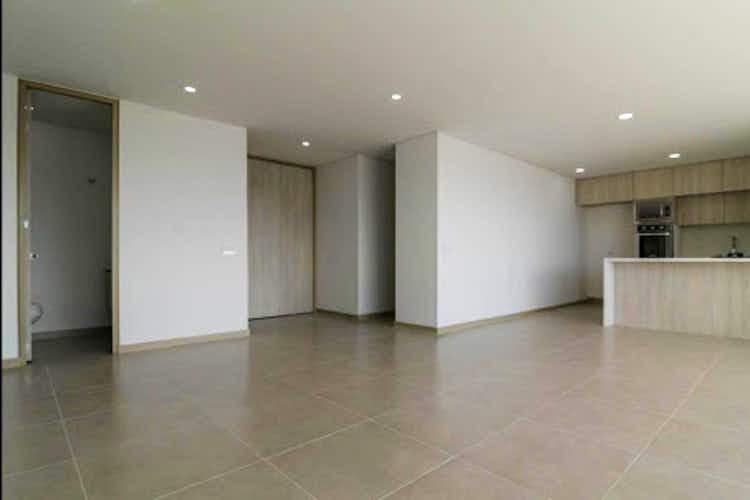 Portada Apartamento en venta en Loma del Escobero de tres habitaciones