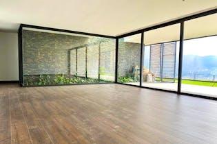 Apartamento en Los Balsos, Poblado - 472mt, tres alcobas, terraza
