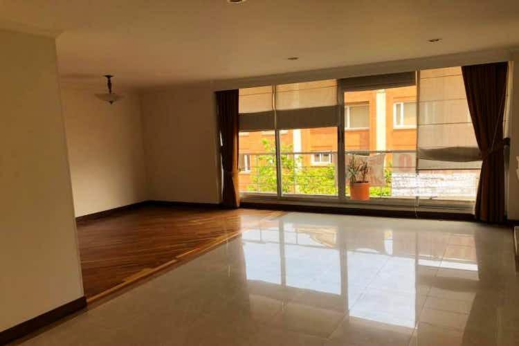 Portada Apartamento En venta En Bogota Santa Paula Tres alcobas, estar de tv o cuarta alcoba.