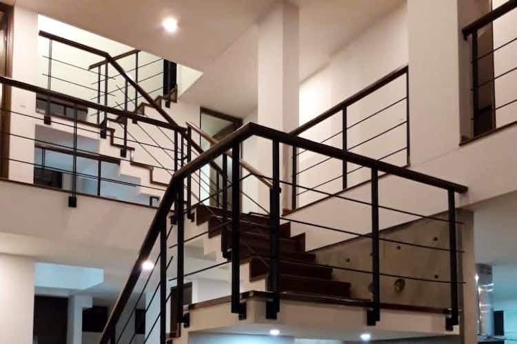 Portada Casa en venta en Parcelas, 223mt de tres niveles