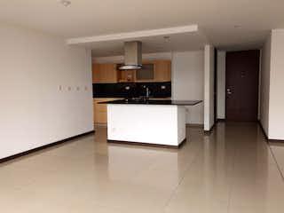 Una cocina con nevera y fregadero en Apartamento en venta en Los Balsos, 114mt con balcon