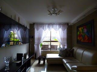 Una sala de estar llena de muebles y una gran ventana en Casa en venta en Las Brisas de   3 habitaciones