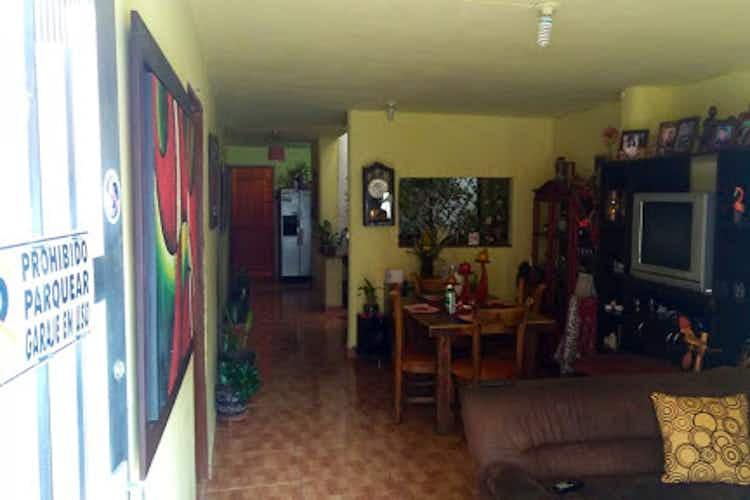 Portada Casa en venta en Loma de Las Brujas  de  4 habitaciones