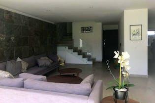 Casa en venta en Lomas Anahuac de 4 hab. con Jardín...