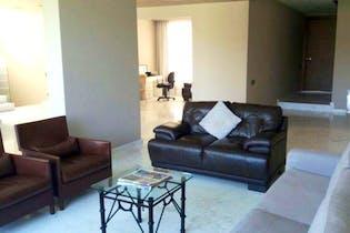 Casa en venta en Fracc Lomas Country Club, 525mt de tres niveles