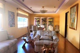 Casa en venta en Hacienda De Las Palmas, 420mt de tres niveles