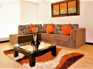 Una sala de estar llena de muebles y una mesa de café en La Bella Fontana