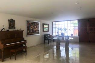 Casa en venta en La Herradura de 492mts, tres niveles