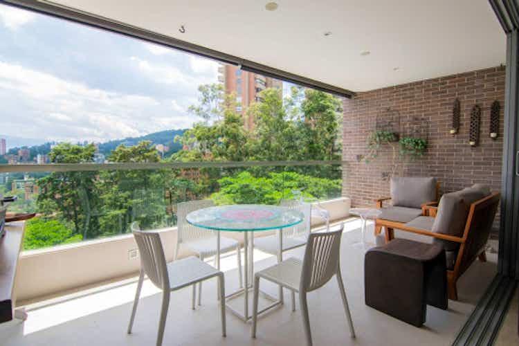 Portada Apartamento en venta en El Tesoro de tres habitaciones