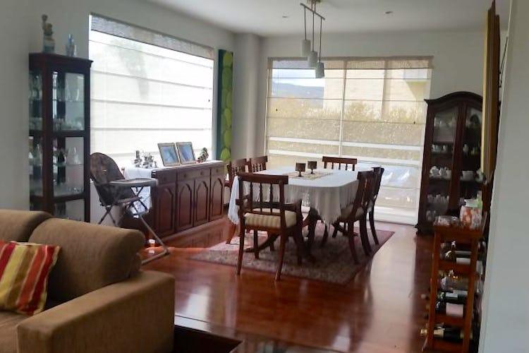 Foto 5 de Casa En Venta En Cajica, con cuatro garajes y depósito.