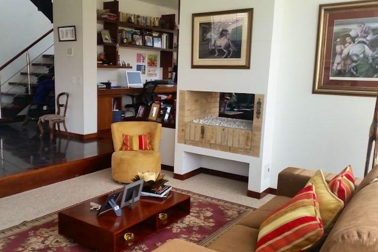 Foto 6 de Casa En Venta En Cajica, con cuatro garajes y depósito.