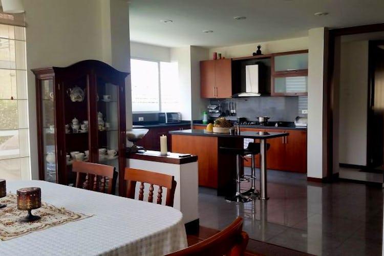 Foto 7 de Casa En Venta En Cajica, con cuatro garajes y depósito.