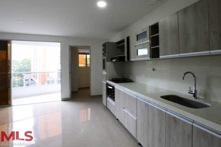 Portada Apartamento en venta en Loma de Cumbres de tres habitaciones