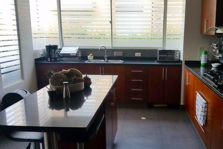 Foto 10 de Casa En Venta En Cajica, con cuatro garajes y depósito.