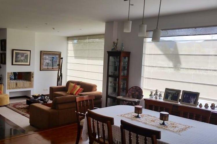 Foto 11 de Casa En Venta En Cajica, con cuatro garajes y depósito.