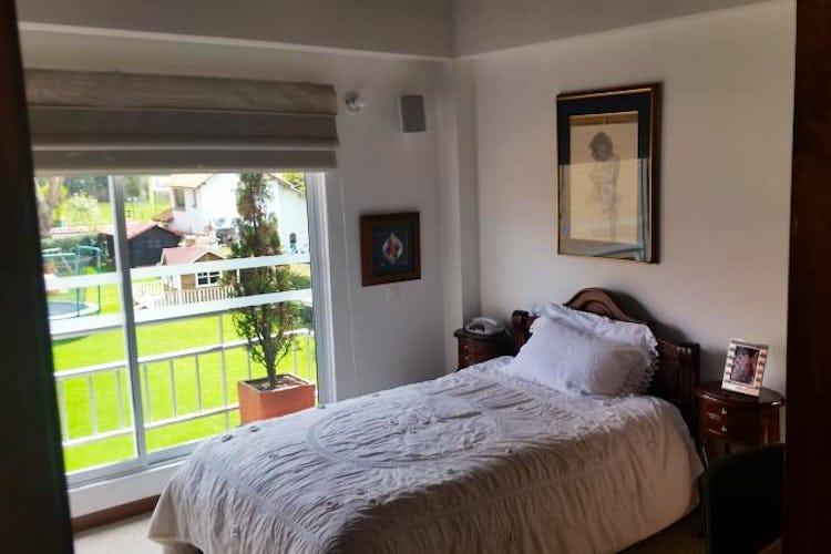 Foto 12 de Casa En Venta En Cajica, con cuatro garajes y depósito.
