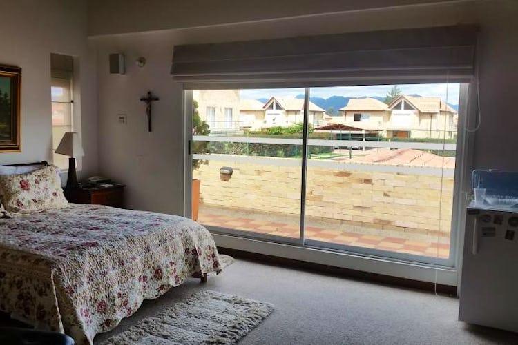 Foto 17 de Casa En Venta En Cajica, con cuatro garajes y depósito.