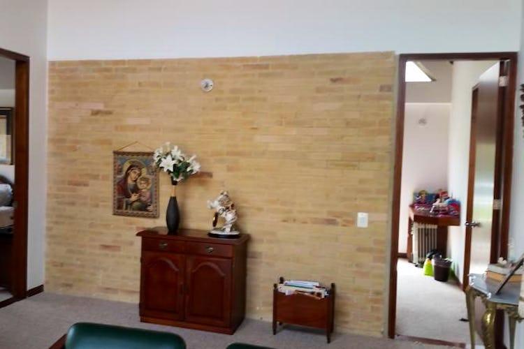 Foto 21 de Casa En Venta En Cajica, con cuatro garajes y depósito.