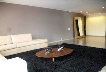 Apartamento en venta en Santa Bárbara Central de cuatro habitaciones