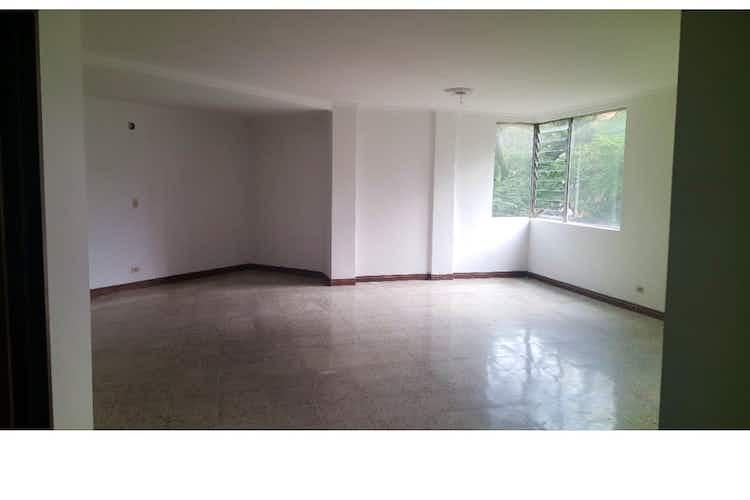 Portada Apartamento en venta en Conquistadores de  4 habitaciones