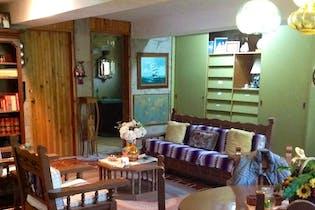 Casa en venta en Residencial Campestre Chiluca de 309mts, tres niveles