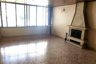 Apartamento En Bogota Santa Barbara Central- sala con chimenea