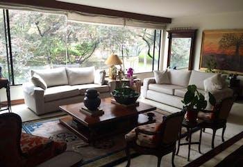 Apartamento en Bogota Rosales - con tres alcobas c/u con baño