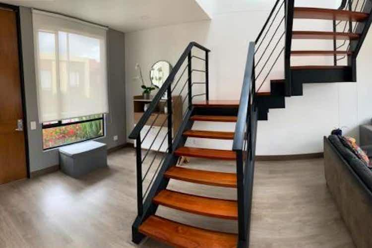 Portada Casa en venta en Cajica de 118mts, dos niveles