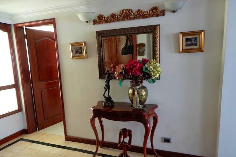 Foto 6 de Apartamento En Bogota Santa Barbara Central- chimenea- 3 alcobas
