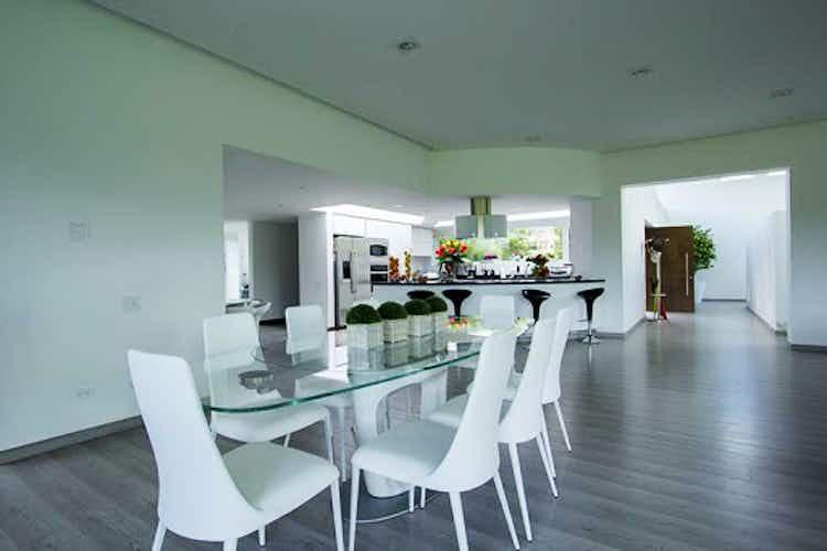 Portada Casa en venta en La Calera de 467mts, dos niveles