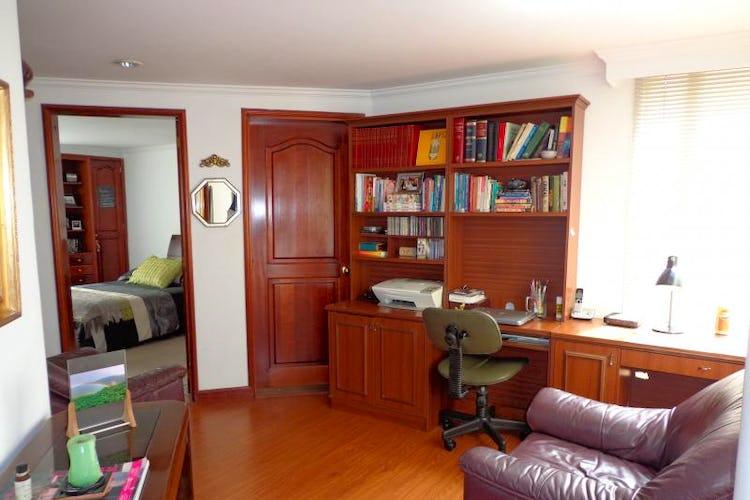 Foto 9 de Apartamento En Bogota Santa Barbara Central- chimenea- 3 alcobas