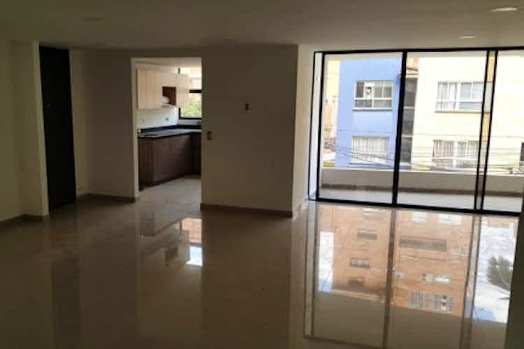 Portada Apartamento en venta en Las Acacias de tres habitaciones