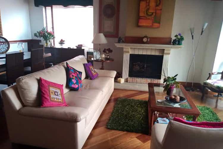 Portada Apartamento en venta en Rosales de tres habitaciones