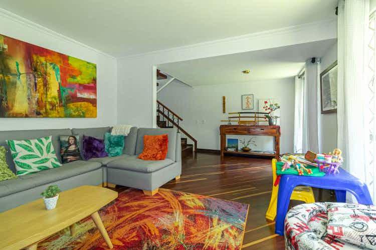 Portada Casa en venta en La Calleja, 172mt de cinco niveles
