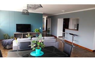 Apartamento en venta en Poblado de 4 hab. con Balcón...