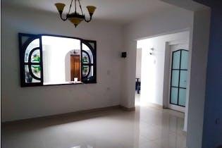 Casa en venta en Calasanz / Occidente de 4 hab.