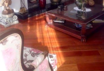 Apartamento en Bogotá-Usaquen con dos garajes y depósito.