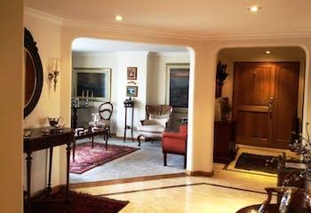 Apartamento En Venta En Bogota-La Carolina, tres alcobas con baño.