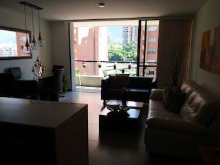 Una sala de estar llena de muebles y una televisión de pantalla plana en Apartamento en venta en Loma del Escobero de  2 habitaciones