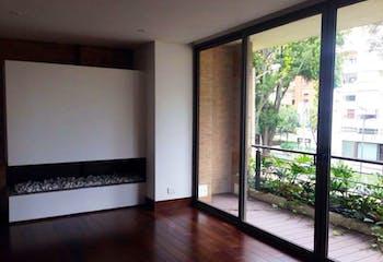 Apartamento en Bogota Chico - dos garajes independientes y depósito